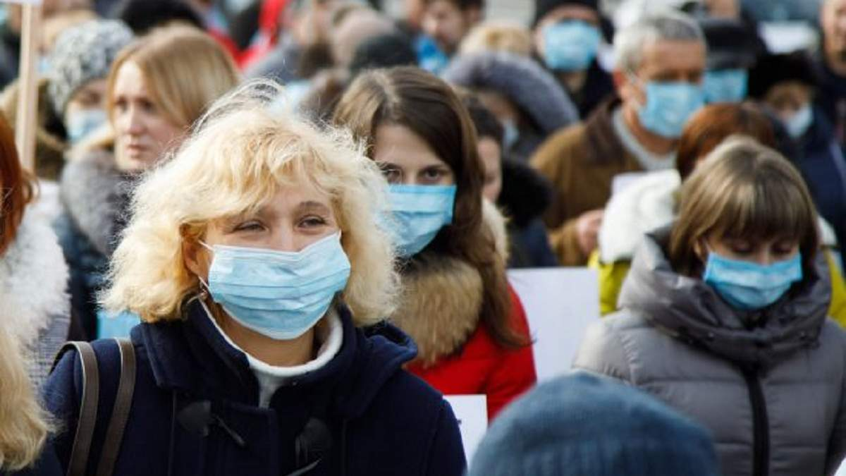 """Експрес-тести на коронавірус """"обманули"""" двох одеситів: хворих відпустили додому"""