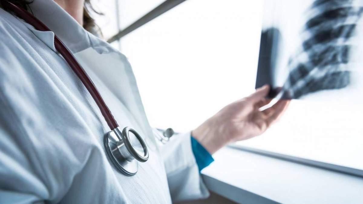 У Рівному помер 45-річний лікар, у  якого підозрювали коронавірус