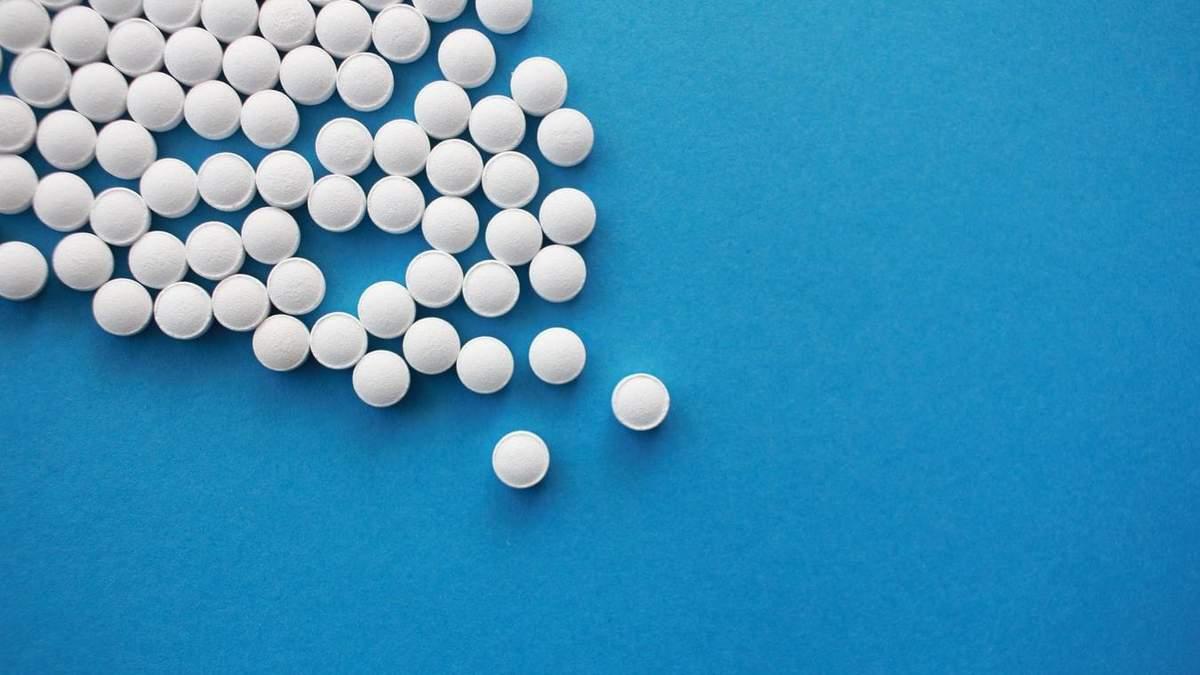 В России Министерство здравоохранения советует лечить коронавирус недейственными препаратами