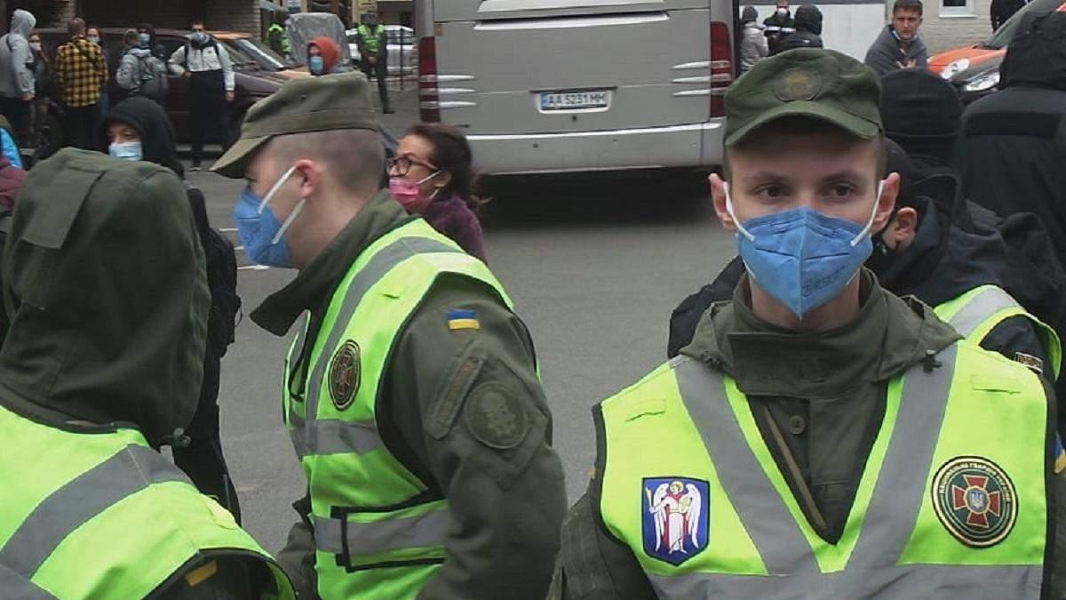 Как пассажиров рейса Доха – Киев отправляли на обсервацию
