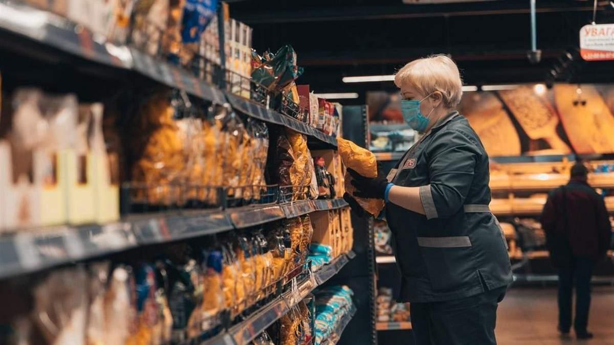 Хворим на коронавірус заборонили виходити в аптеки та магазини: постанова уряду