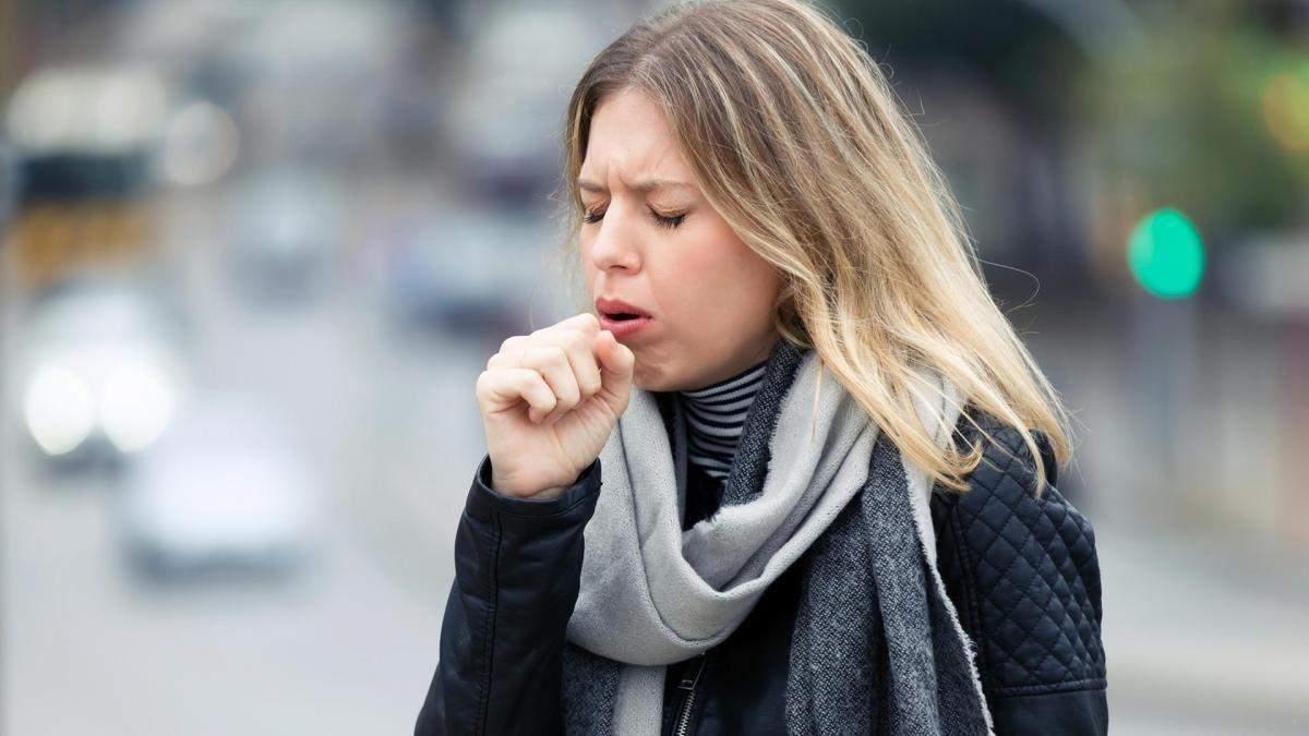 Як далеко поширюється вірус при кашлянні чи чханні: нові дані