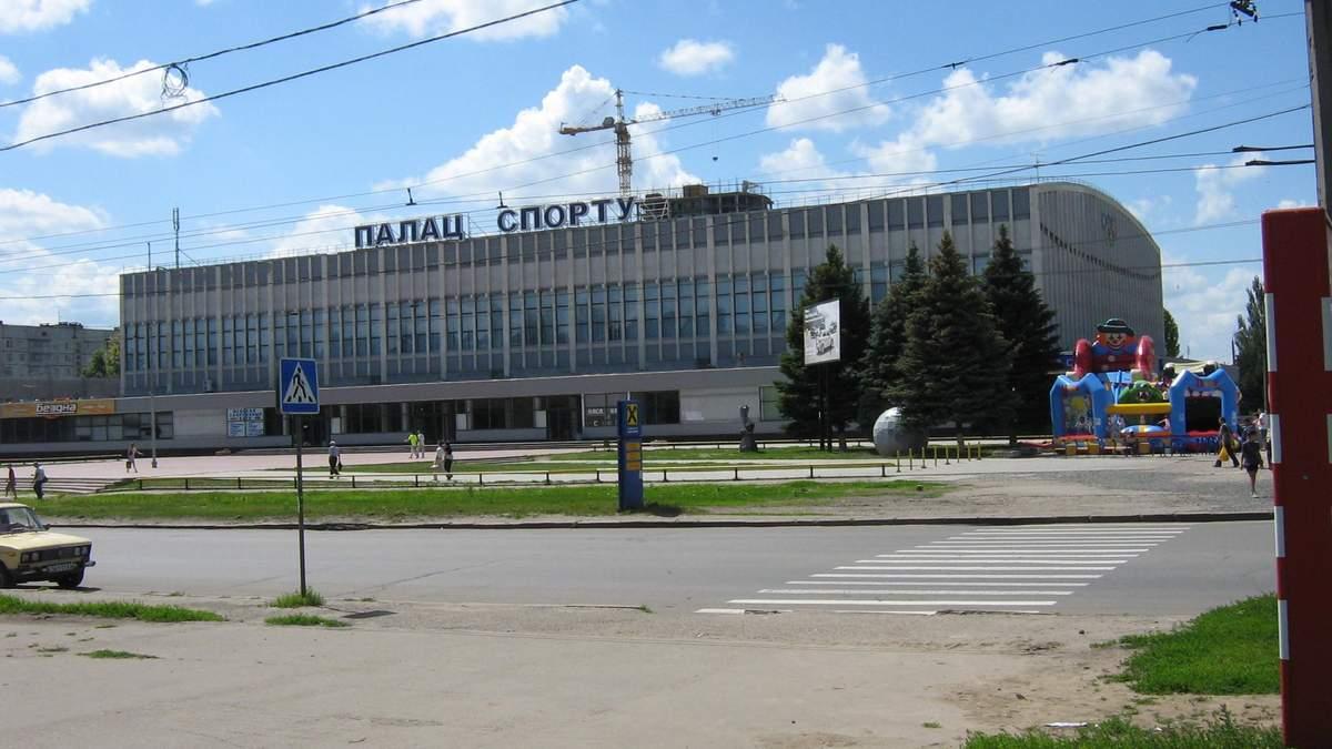 У Харківському палаці спорту розмістять хворих на коронавірус, якщо у лікарнях не буде місць