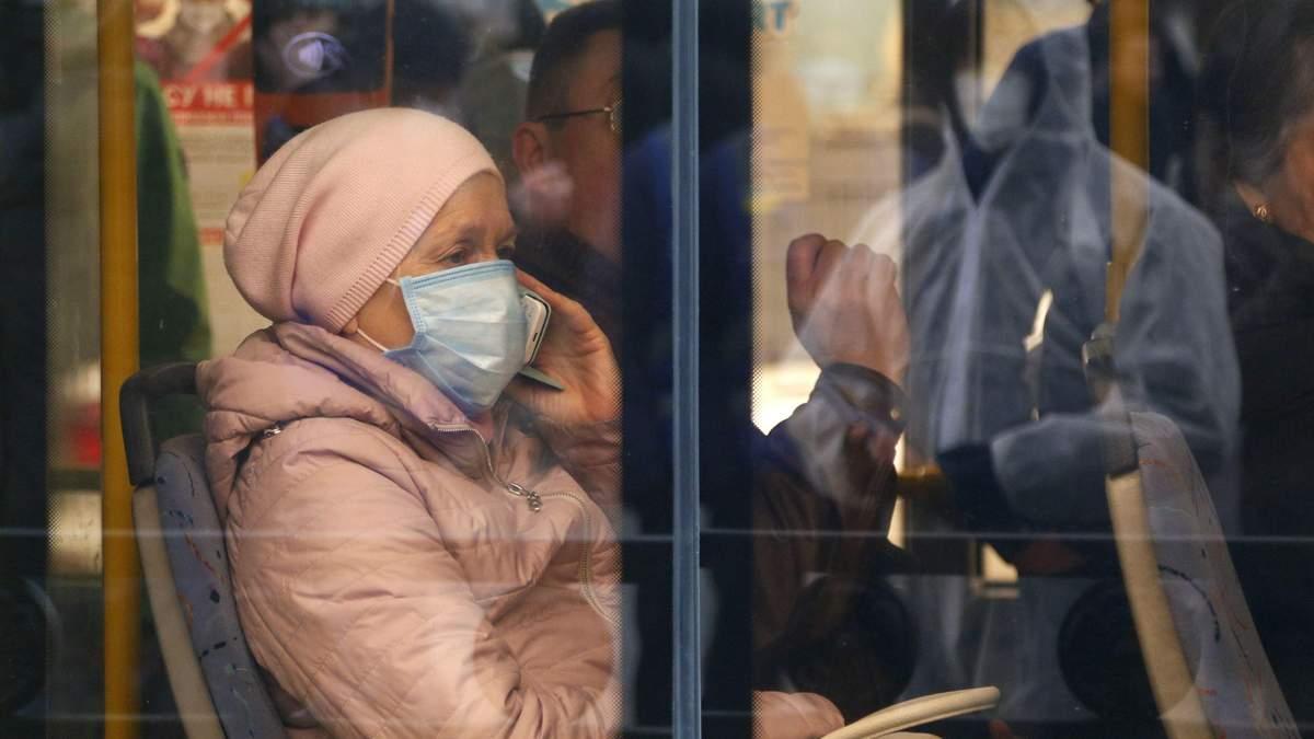 В Украине усиливают карантинные меры: список ограничений