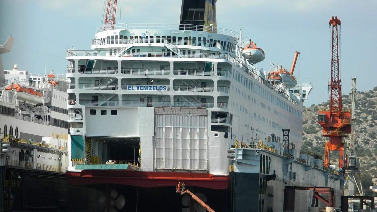 Ситуація на судні El Venizelos критична: що відбувається на лайнері – відео