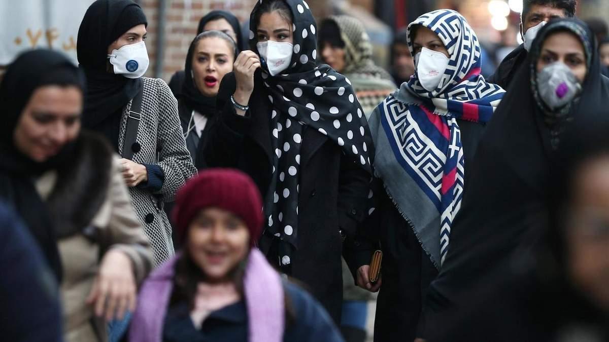 Влада Ірану заявляє, що протестувала на коронавірус 90% населення