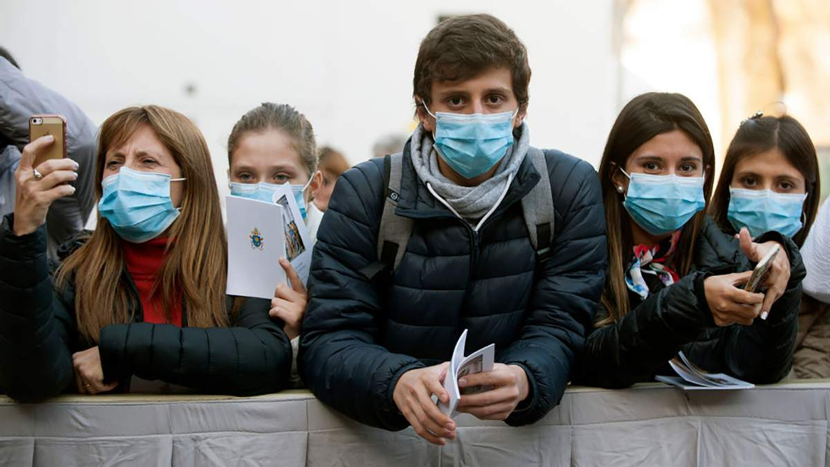 З якою динамікою поширюється коронавірус в Україні: дані МОЗ