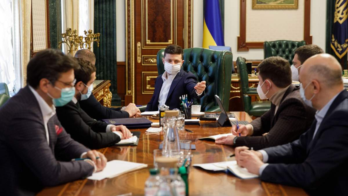 На нараді в Зеленського вирішили, що в областях перевірять готовність лікарень до прийому хворих на коронавірус