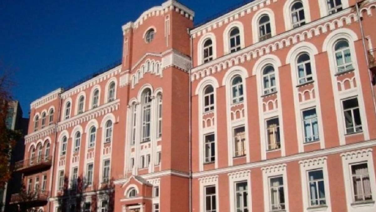 В Александровской больнице заканчиваются места в инфекционных отделениях