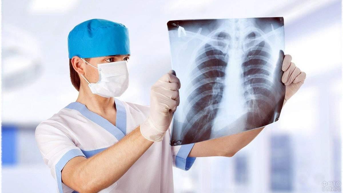 Скандал в Калиновской больнице с больными COVID-19 медиками: детали