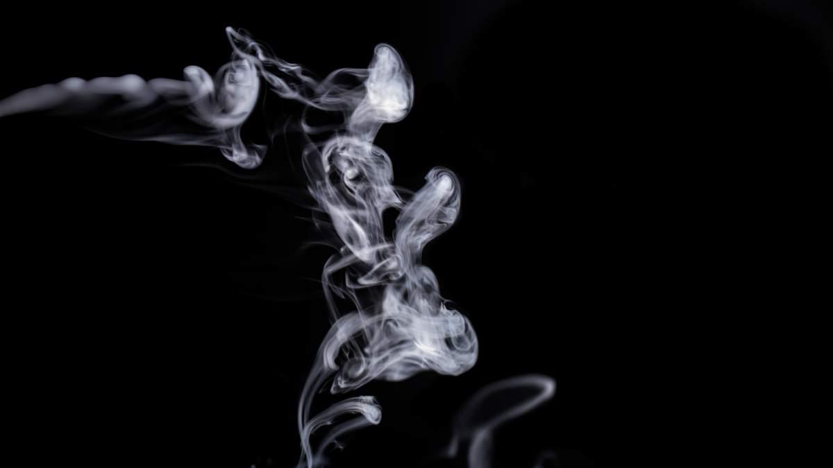 Во Франции ограничили продажу товаров с никотином после новостей о его пользе больным COVID-19