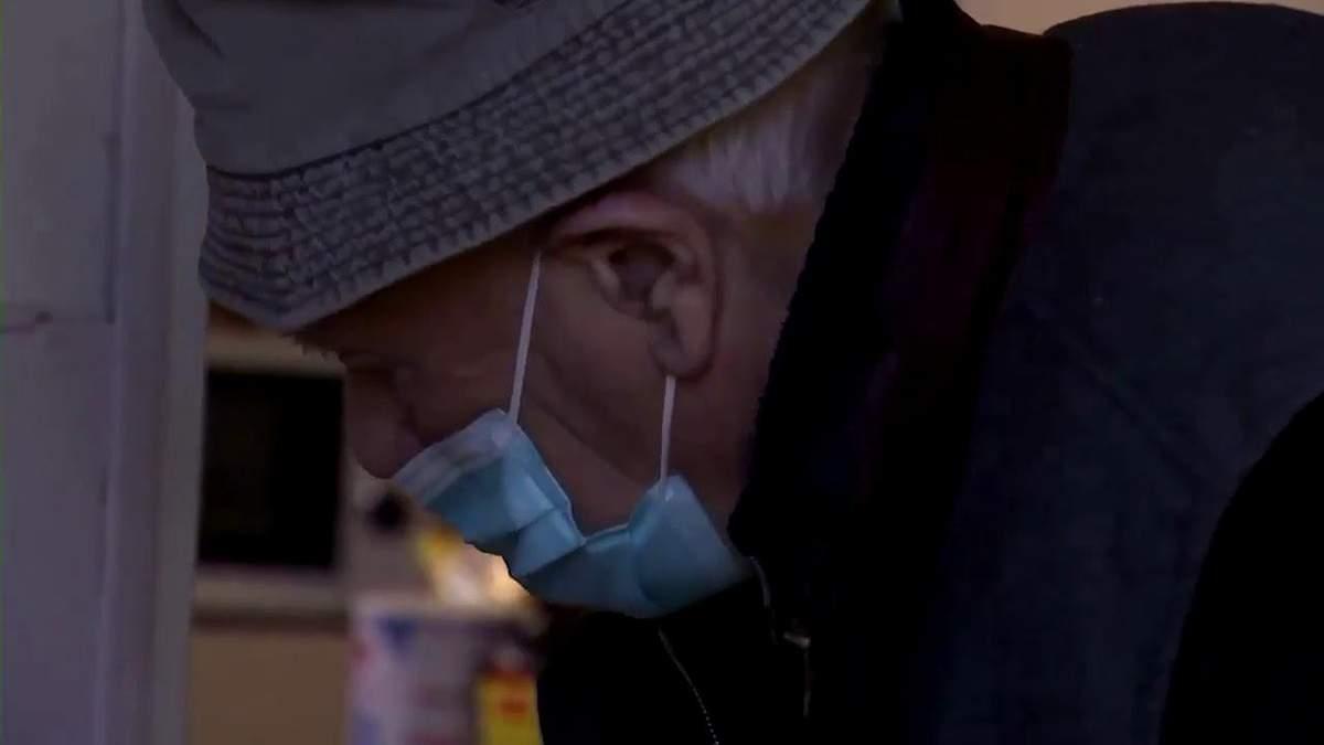 Найстарший лікар Франції досі приймає пацієнтів