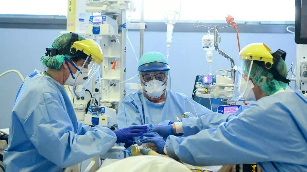 У МОЗ закликали допомогти лікарям дотриманням карантину