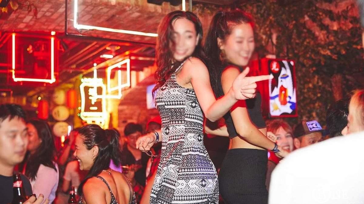 У Сеулі через повторний спалах коронавірусу знову закривають нічні клуби