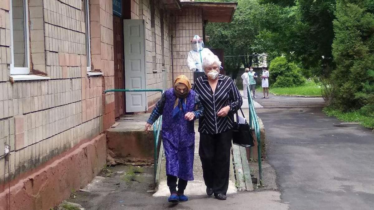 Матері та доньці вдалося одужати від COVID-19