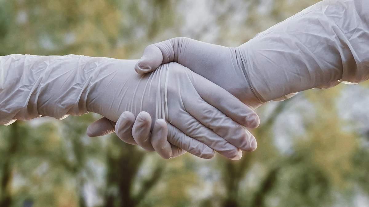 Чи захищають рукавички від зараження коронавірусом