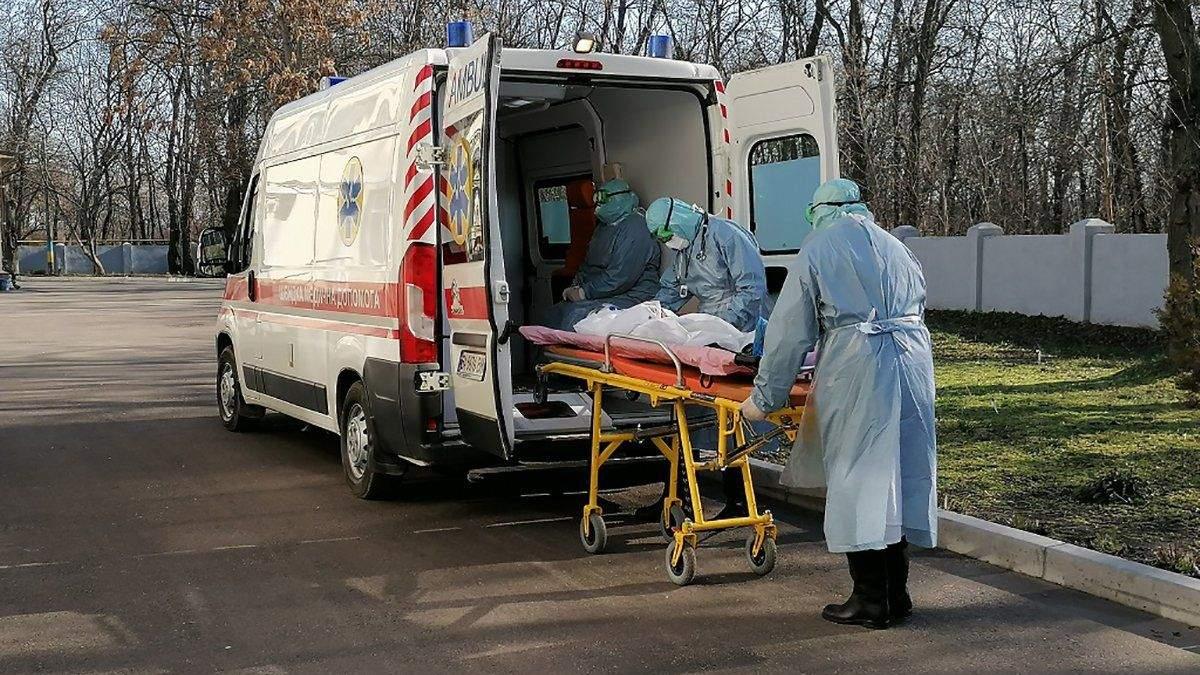 В Украине госпитализировали рекордное количество людей с COVID-19