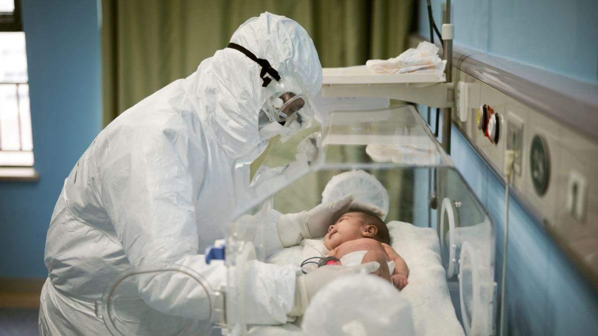 Коронавірус передався немовляті від матері через плаценту