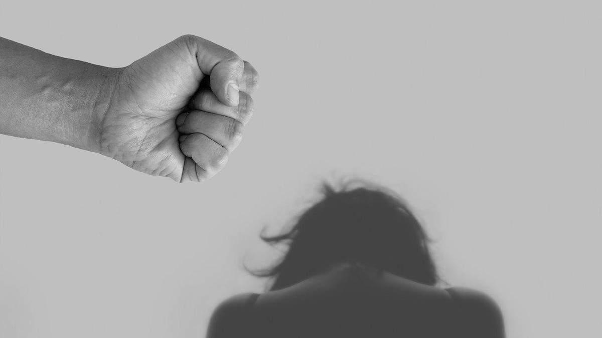 Психологи объяснили, почему некоторые люди могут быть подвержены тирании