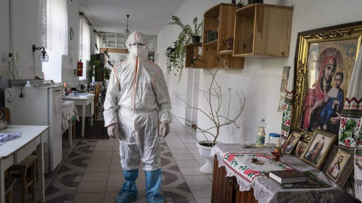 В Украине количество больных коронавирусом превысило 61 тысячу