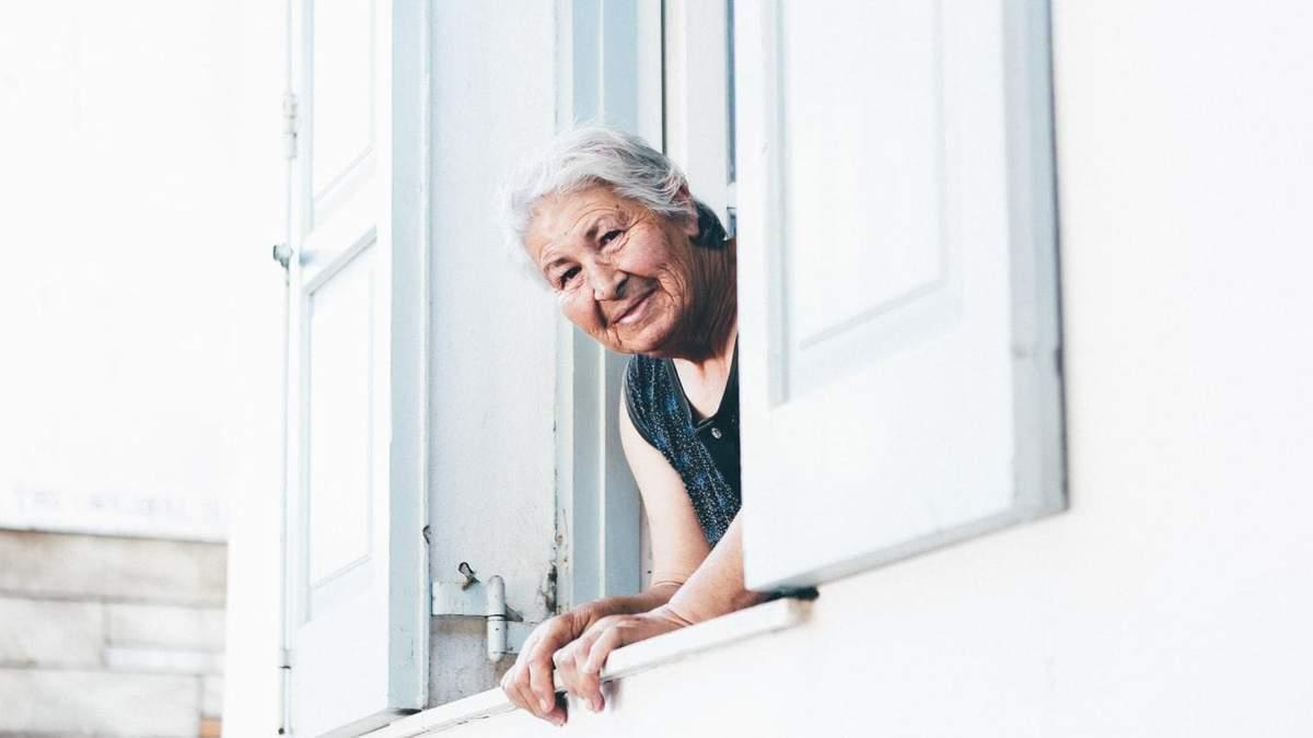 Старші люди в групі ризику COVID-19