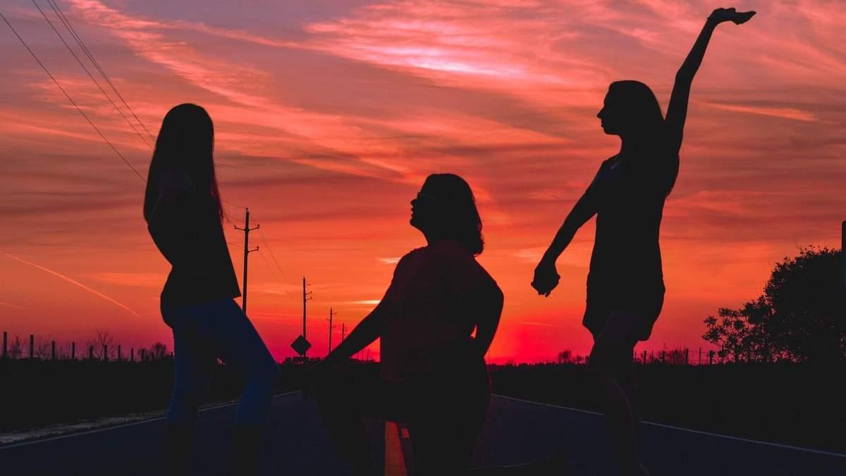 Доказано: одинокие люди такие же счастливые, как люди в романтических отношениях