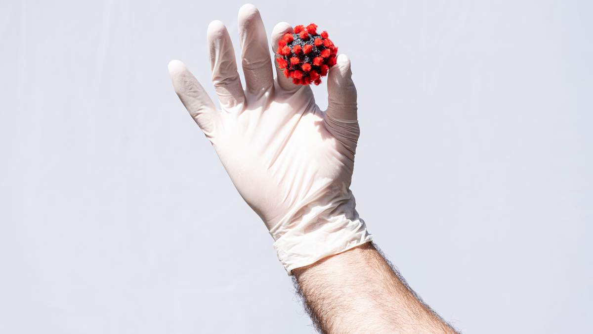 У Вінницькій обласній лікарні спалах коронавірусу: захворіли пацієнти і медики