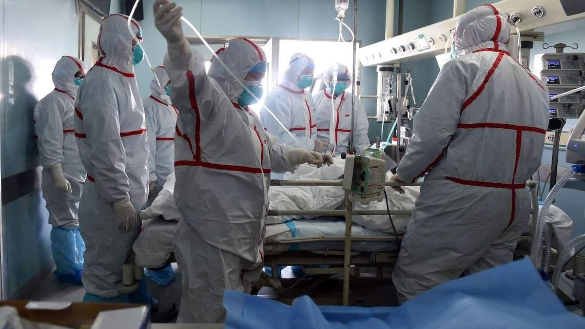 Из больницы выписали женщину, которая дольше всех болела COVID-19