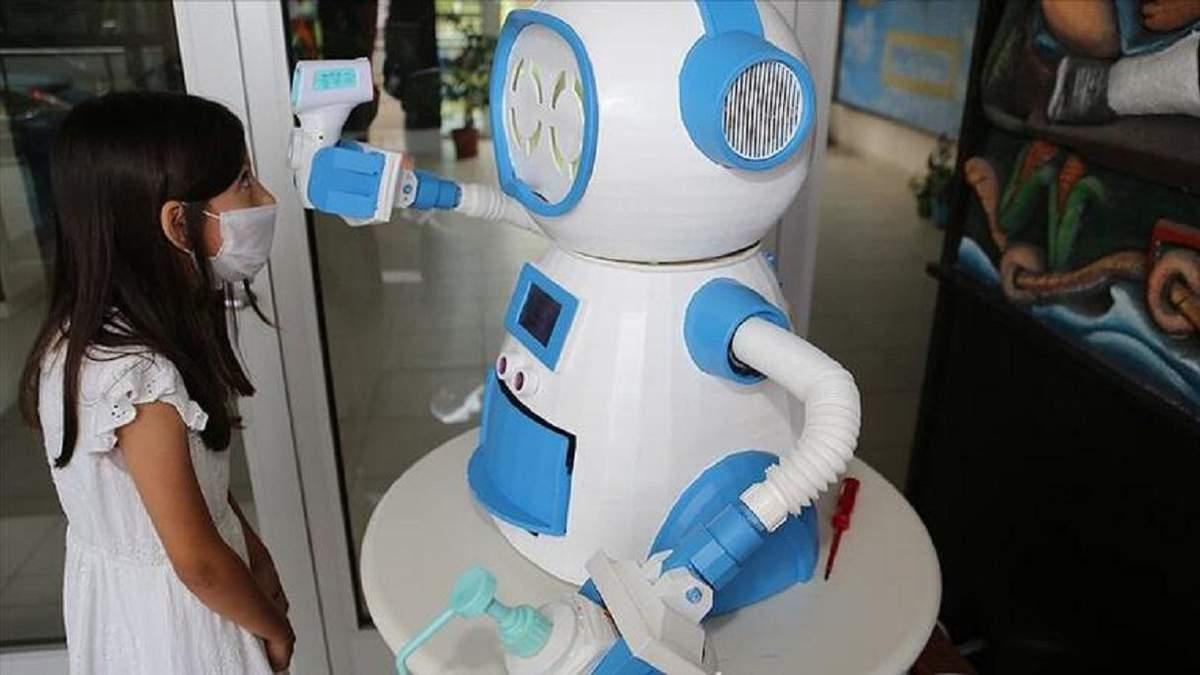 В Турции создали робота для борьбы с коронавирусом