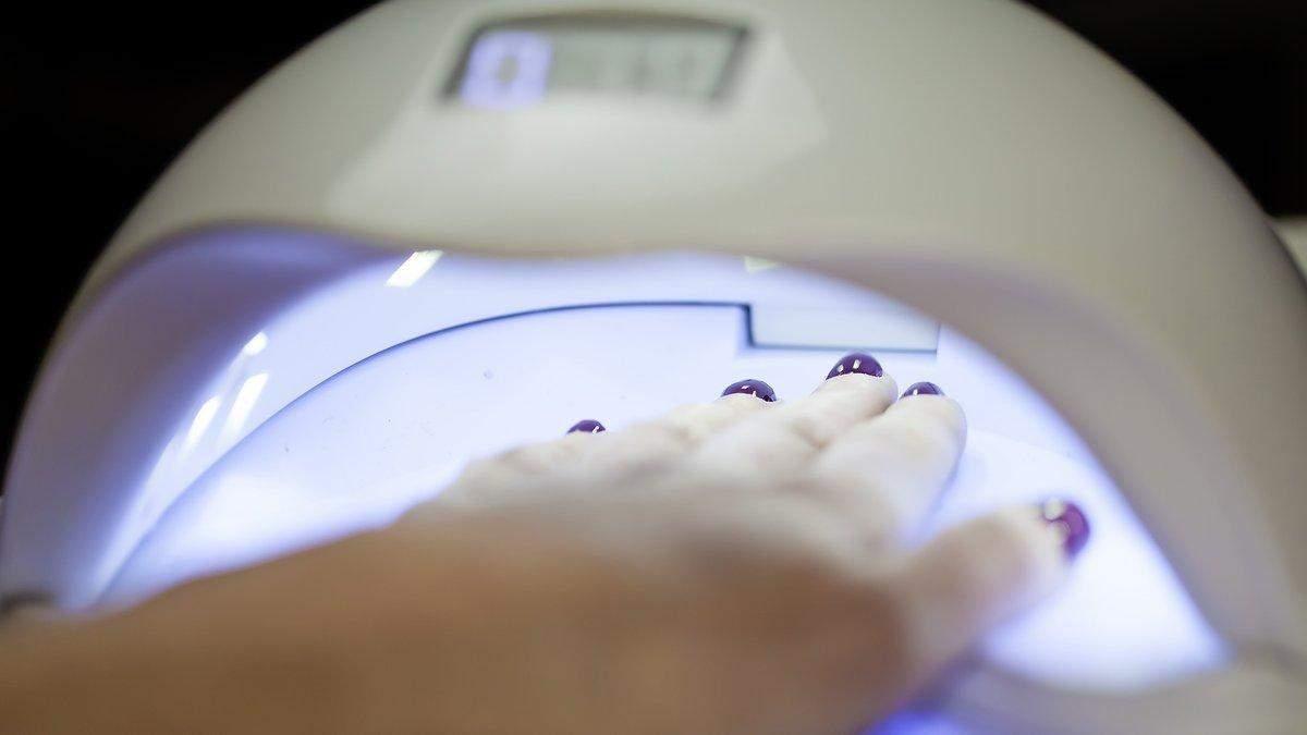 Как безопасно делать покрытие ногтей гель-лаком