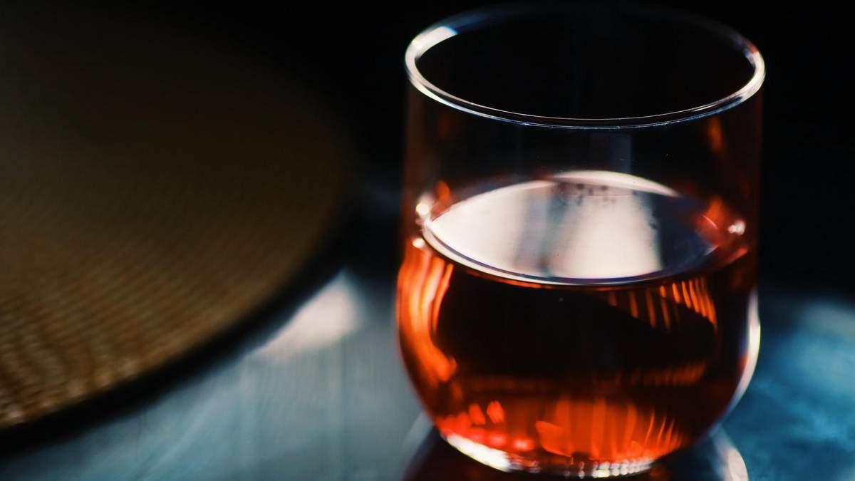 В якому порядку пити різні алкогольні напої, щоб не було похмілля