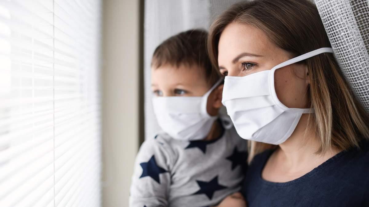 Когда вакцину против COVID-19 смогут массово применять в Украине