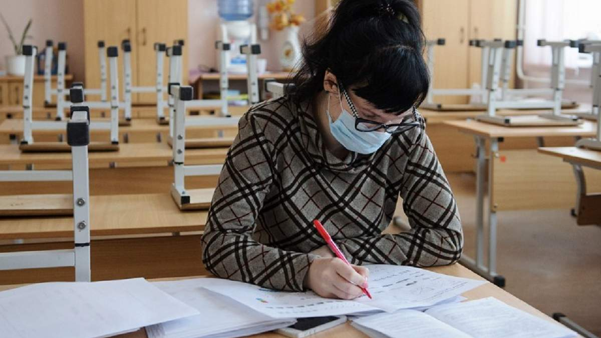 В Николаеве в первый день учебы класс пошел на самоизоляцию из-за коронавируса