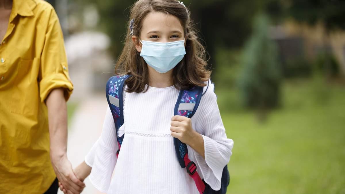 Діти більше ризикують заразитися COVID-19 вдома, ніж в школі, – дослідження