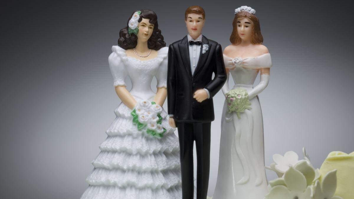 Хто щасливіший у відносинах: полігамні чи моногамні люди