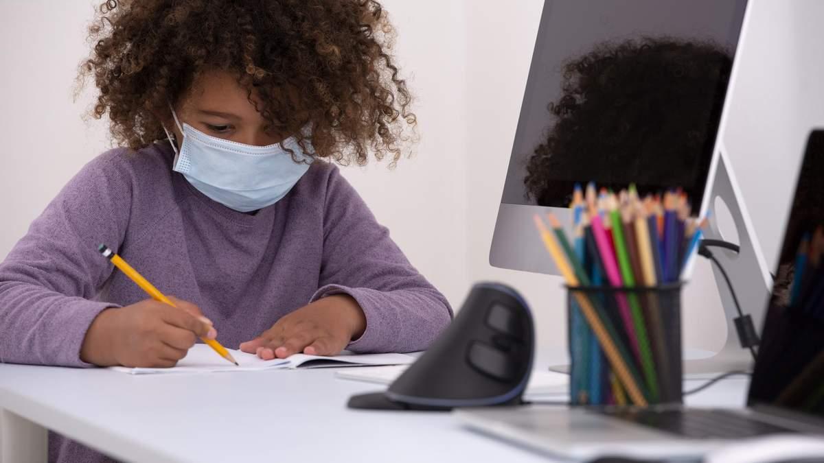Как помочь детям привыкнуть к обучению во время пандемии COVID-19
