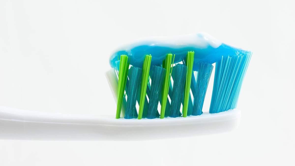 Чи може зубна паста допомогти при чутливості зубів