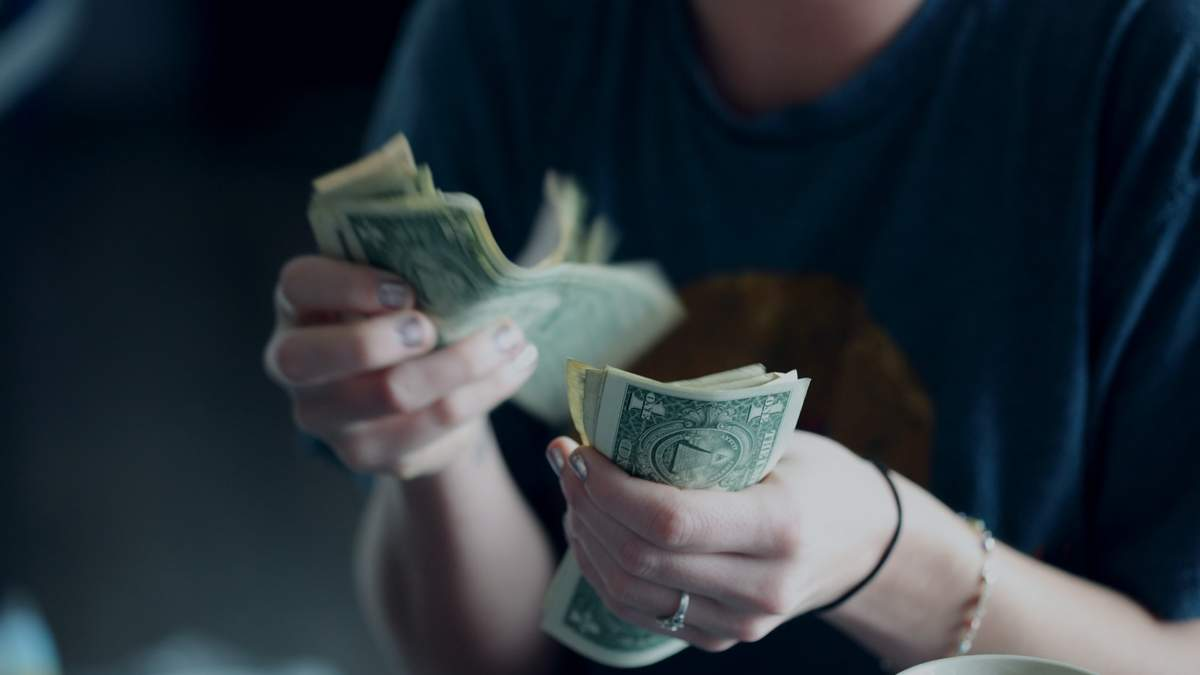 Скільки потрібно грошей для щастя