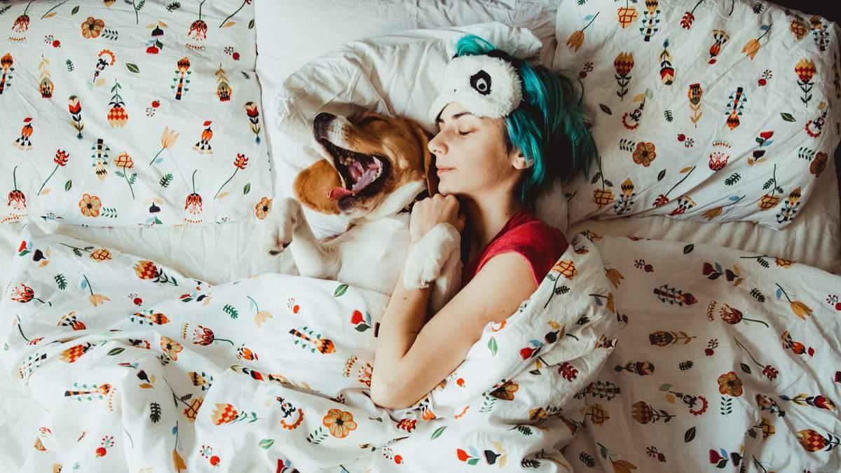 Короткий сон позбавляє нас щастя