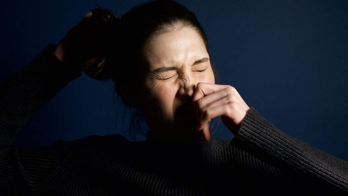 Чхання може нашкодити здоров'ю: дослідження