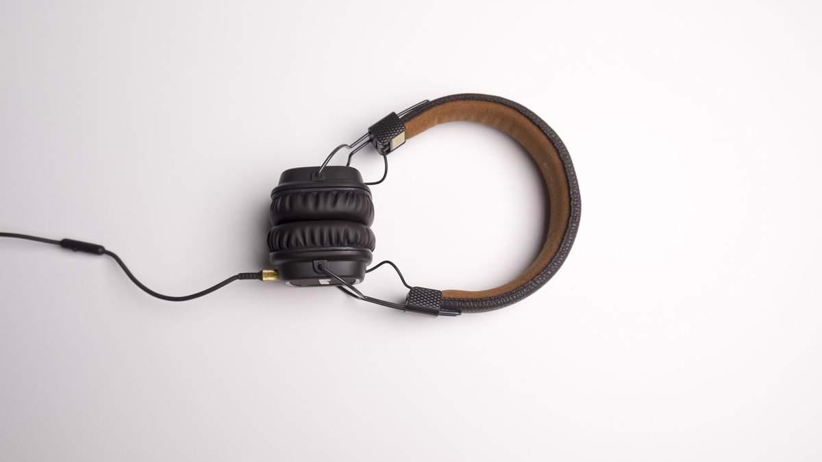 Втрата слуху: симптоми, причини, профілактика та лікування
