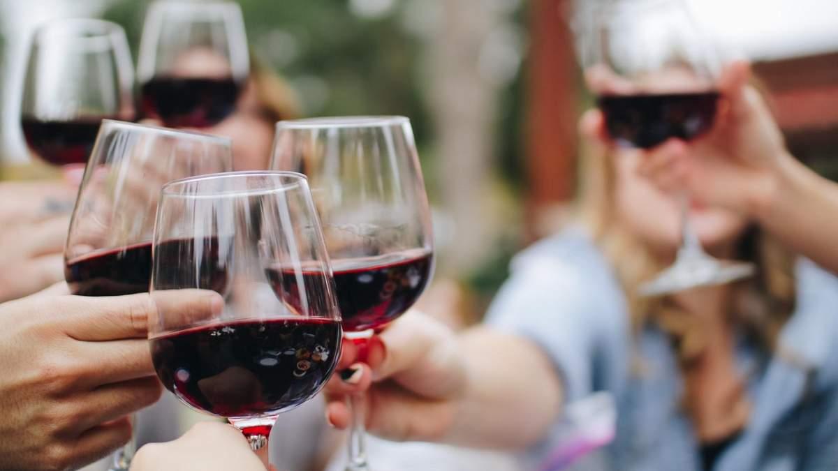 Червоне вино корисне для мозку