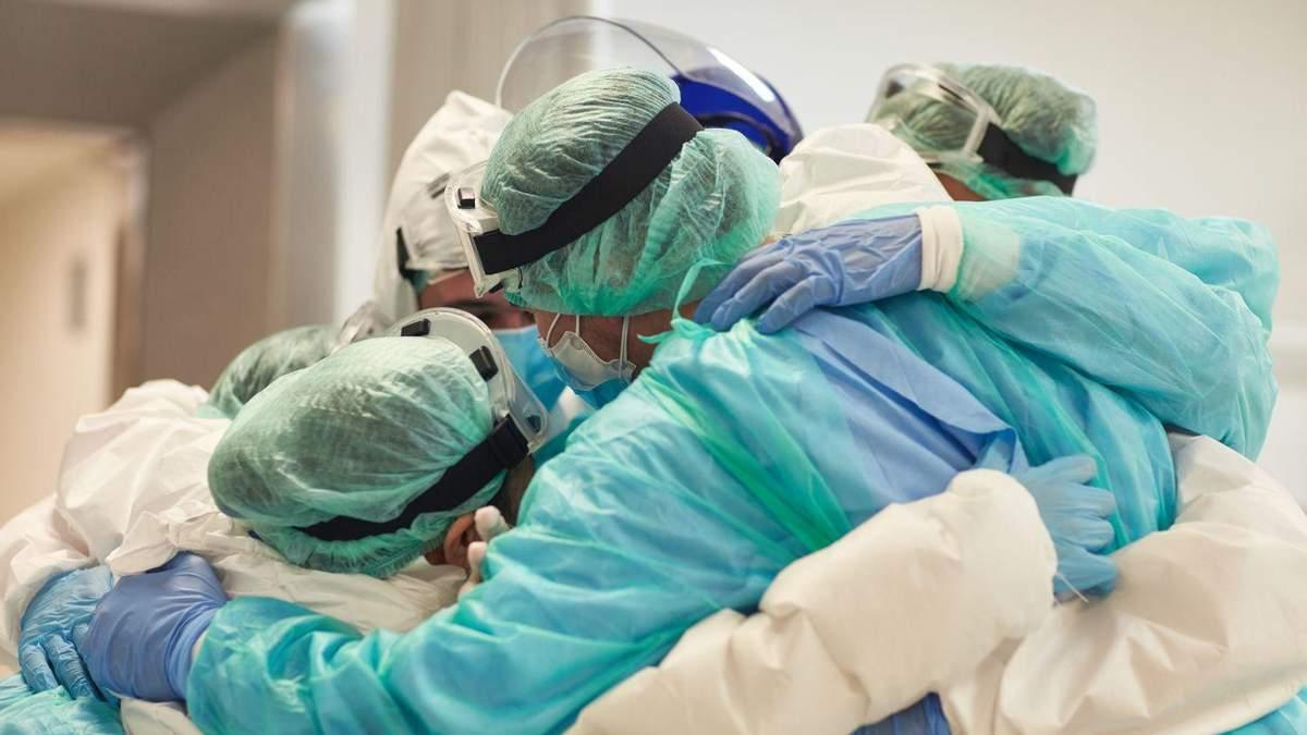 В Коломые в инфекционной почти все врачи заболели коронавирусом