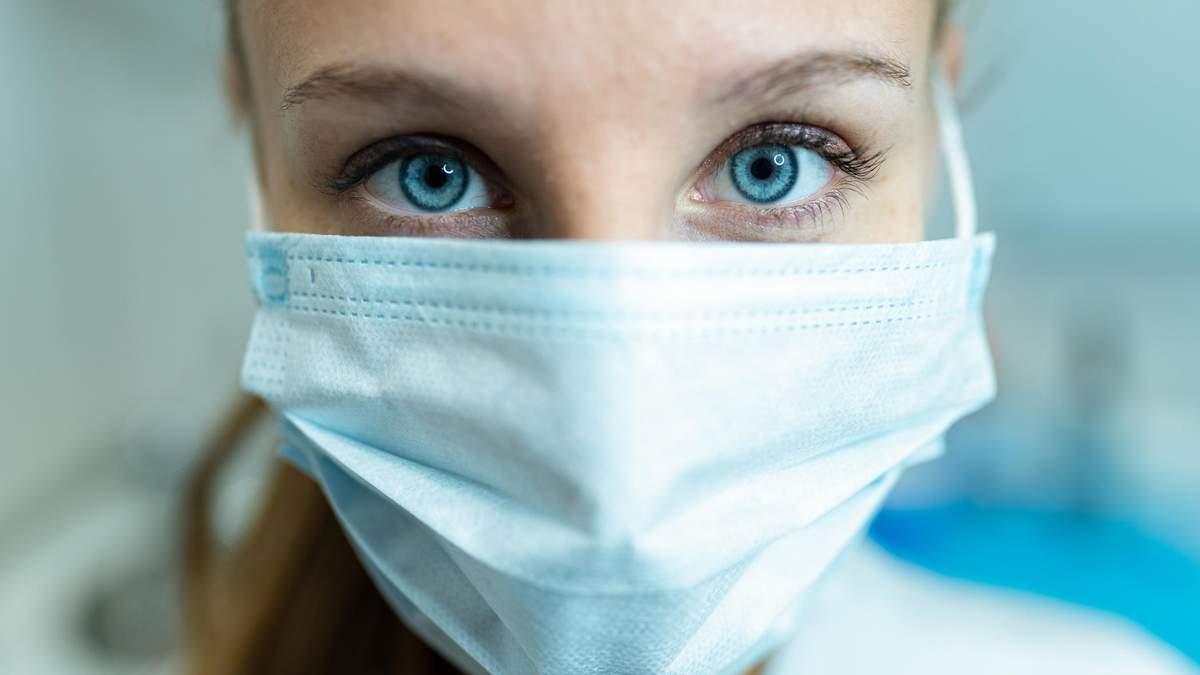 В Україні за добу захворіло ще 6677 людей на коронавірус