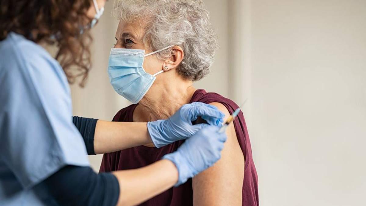 Донськой пояснив, як стимулювати пенсіонерів вакцинуватися