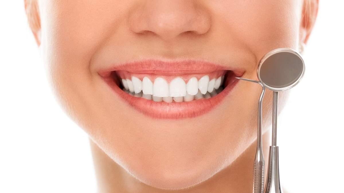 Вино, сигарети і газовані напої: експертка розповіла, як зберегти білизну зубів - Здоров'я 24