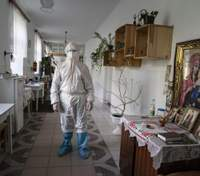 В Україні виявили 9 946 нових хворих на COVID-19: чи справді допоміг карантин вихідного дня
