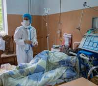 Назвали хворобу, з якою хворі на COVID-19, найчастіше потребують госпіталізації