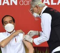 В Індонезії блогерів віднесли до пріоритетного списку вакцинації