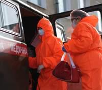 """В Україні викидають """"надлишки"""" вакцини від коронавірусу: пояснення медика"""